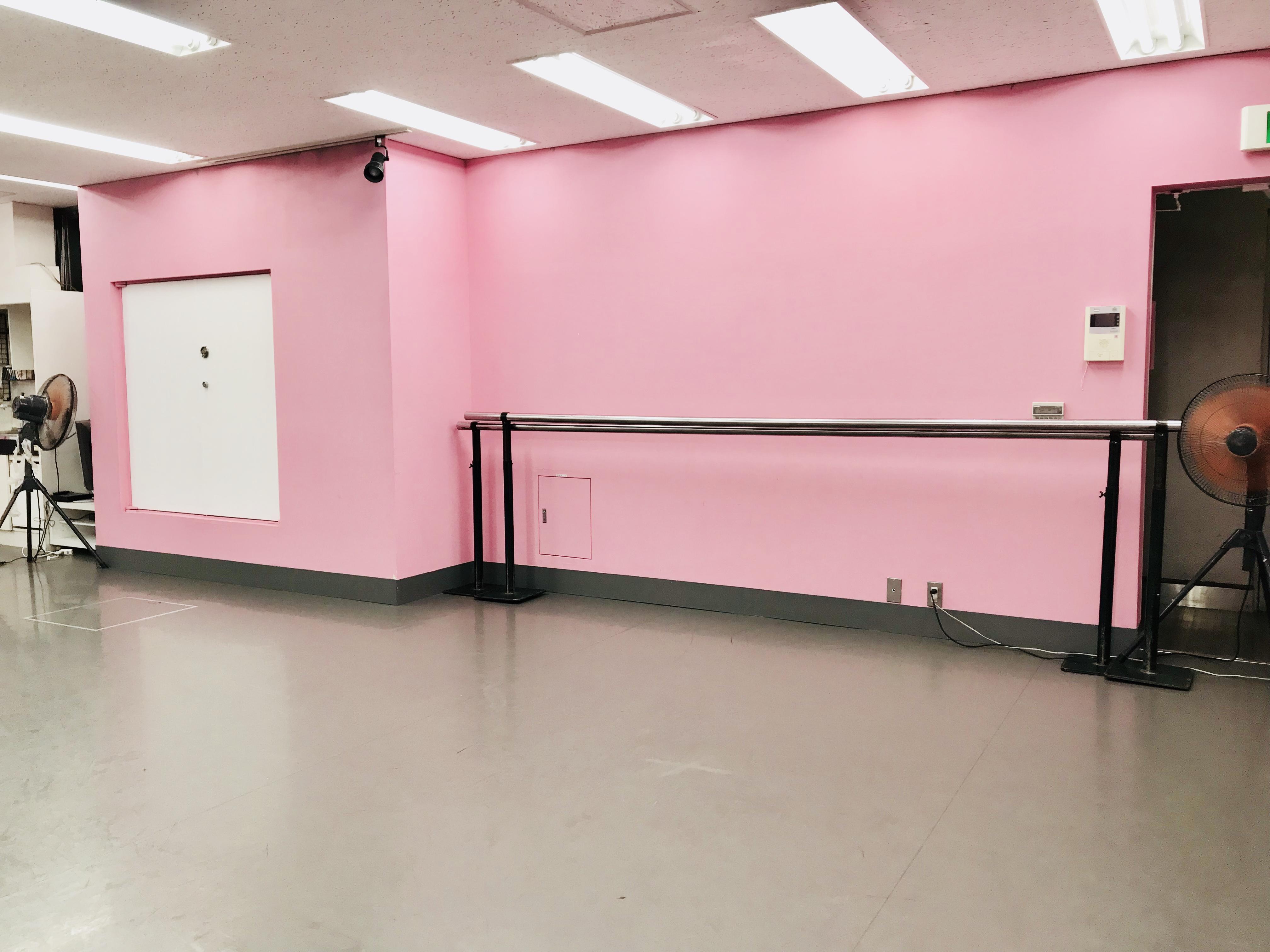 千代田区 秋葉原の貸しレンタルダンススタジオ ブルーハススタジオ 手前6