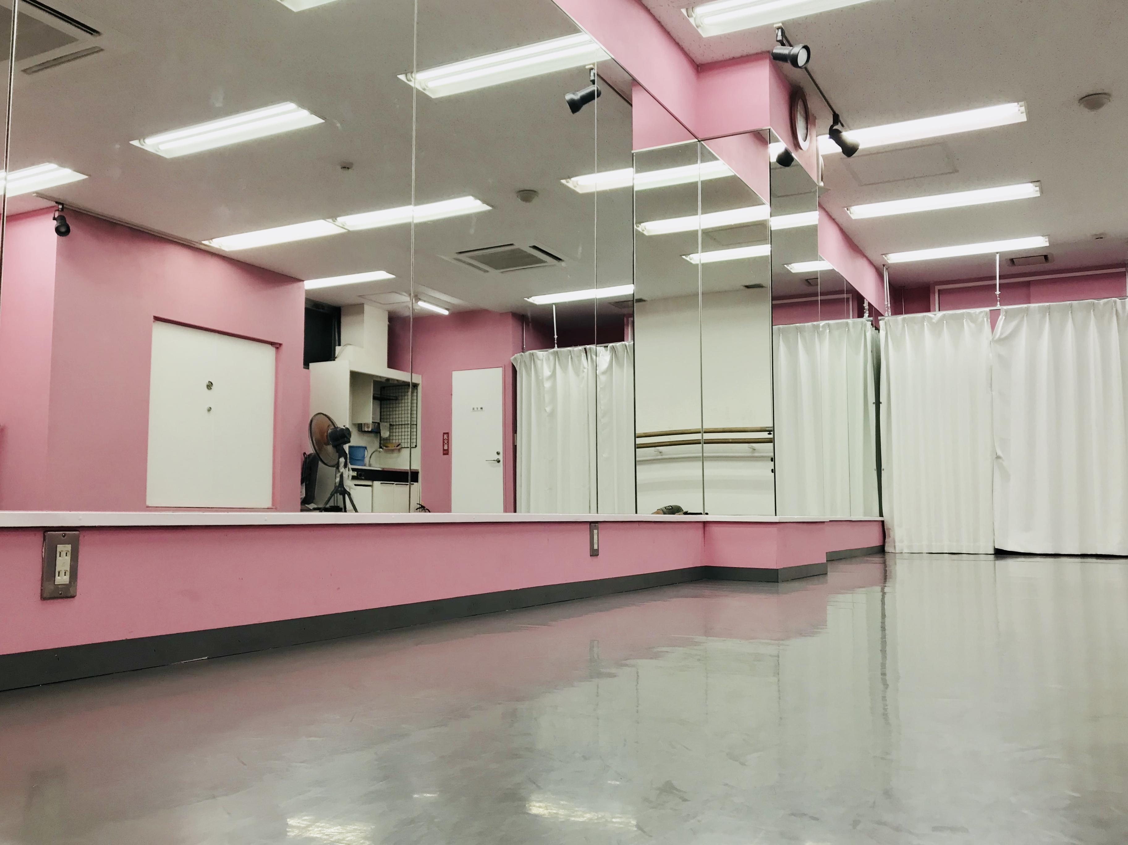 千代田区 秋葉原の貸しレンタルダンススタジオ ブルーハススタジオ 鏡5