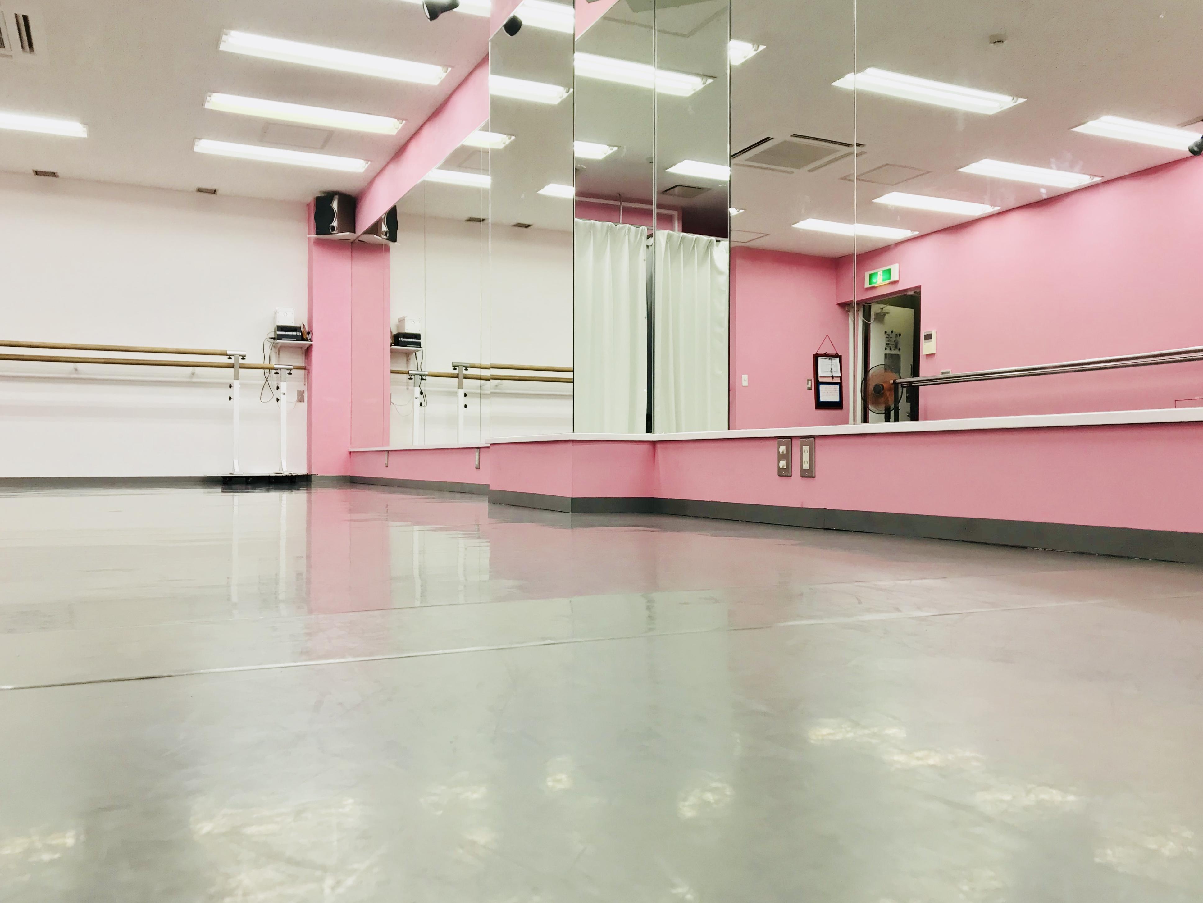 千代田区 秋葉原の貸しレンタルダンススタジオ ブルーハススタジオ 鏡3