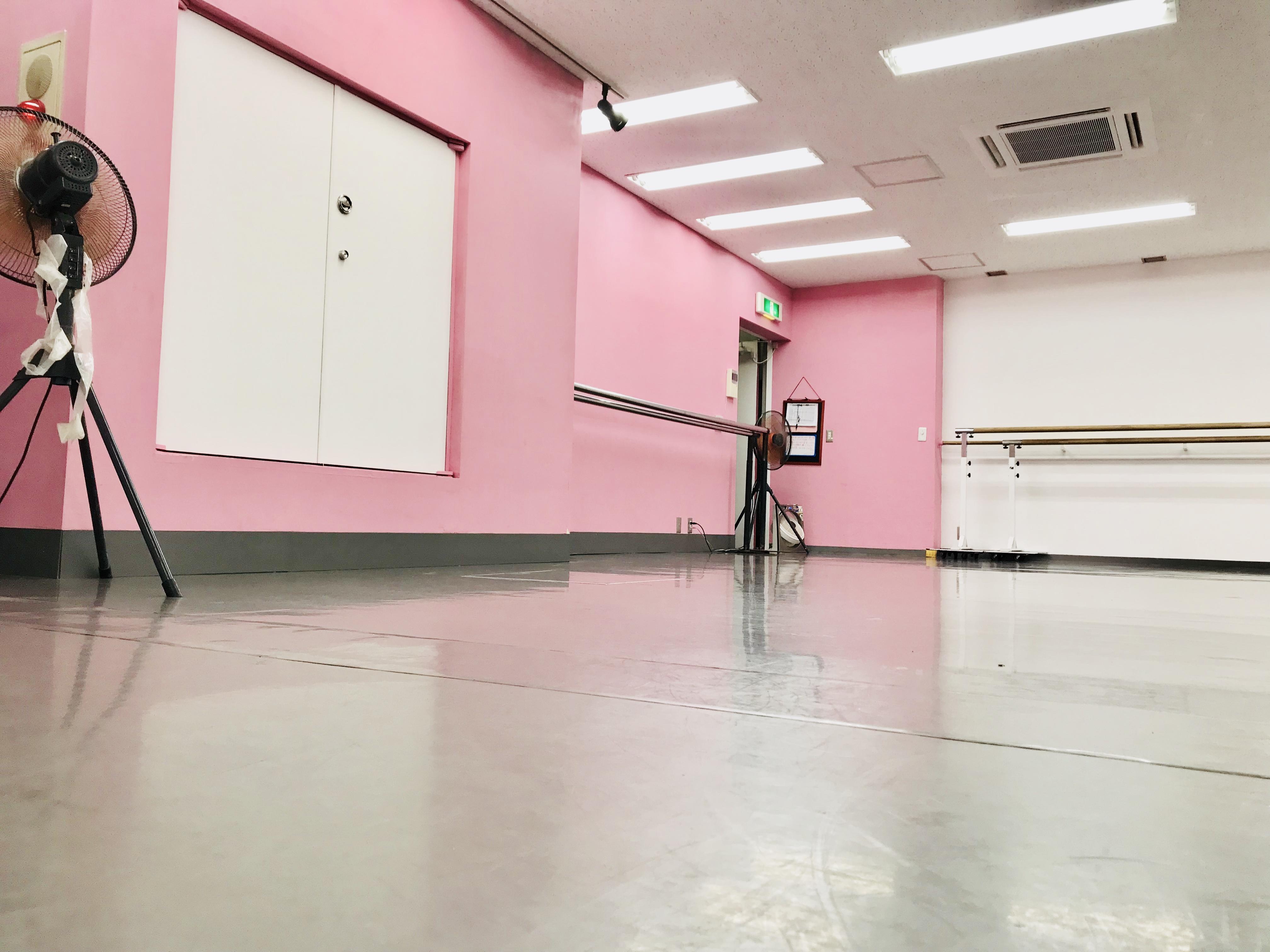 千代田区 秋葉原の貸しレンタルダンススタジオ ブルーハススタジオ 手前2