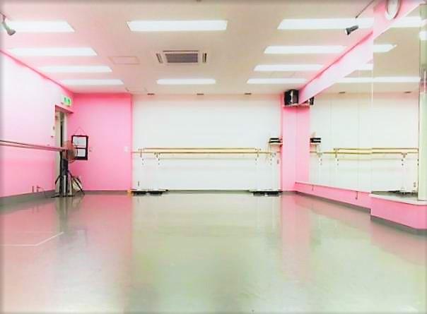 千代田区 秋葉原の貸しレンタルダンススタジオ ブルーハススタジオ 左